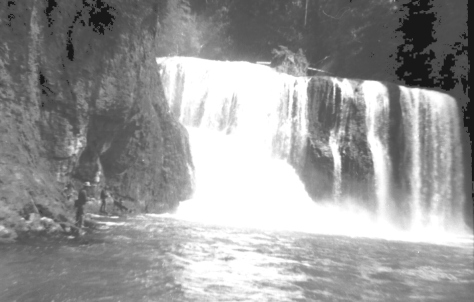 Dad fishing under Upper Falls on the Lewis River
