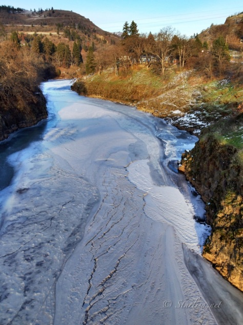 Klickitat River on December 10 in the afternoon as things were warming up.