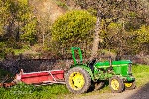 DickeyFarm_tractor_9910