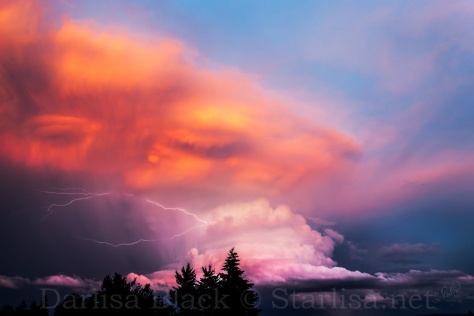 This image was shared over 2000 times on facebook recently, and most people were commenting on the face they could see.  Taken from the West side of Hood River looking South East, the storm cell was spinning clockwise over the Valley while moving slowly North.   This shot was taken near the end of sunset.  I took hundreds, but this is the only one processed at this point.