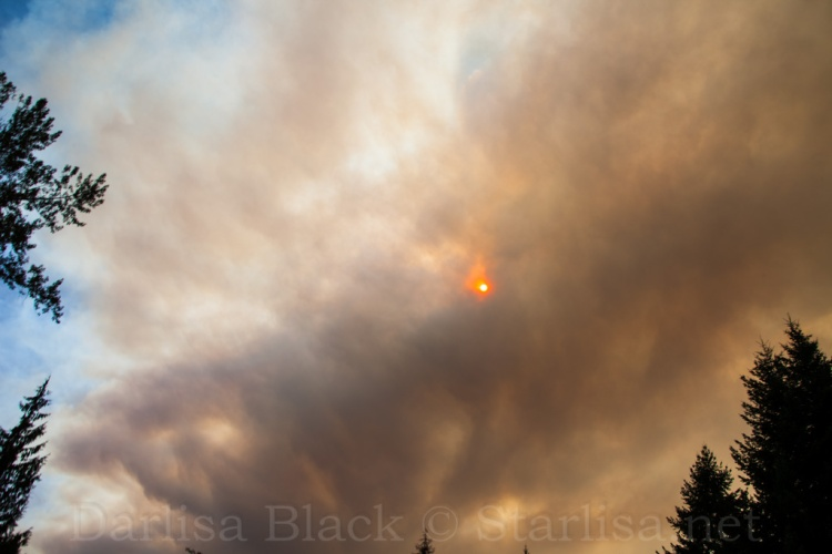 Taken in the afternoon of Sept 15 from Sandy, Oregon as the 36 Pit Fire flared up again.