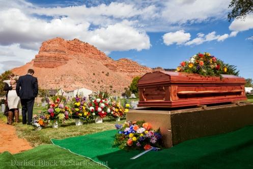 VeldonBlack-Funeral-Graveside-8034