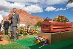 VeldonBlack-Funeral-Graveside-8040