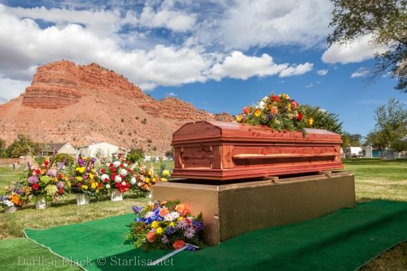 VeldonBlack-Funeral-Graveside-8042