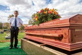 VeldonBlack-Funeral-Graveside-8053