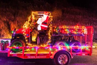 HR-FireDept-Christmas-parade-12-14-15-1296